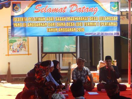 Platihan Budaya Adat Sasak Masyarakat Desa Gelangsar