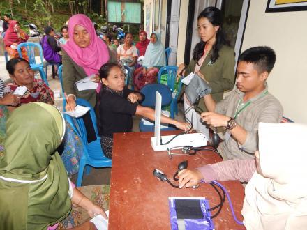 Pemeriksaan Kesehatan Gratis Masyarakat Desa Gelangsar