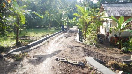 Pembangunan Talud dan Drainase Dusun Gelangsar dari Program Dana Desa (DD) Termin II (Kedua)