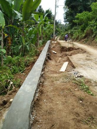 Pentaludan Badan Jalan dari Alokasi Dana Desa Termin I