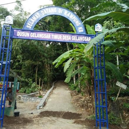 Pembangunan Gapura kampung KB Dusun Gelangsar Timur tahun 2018