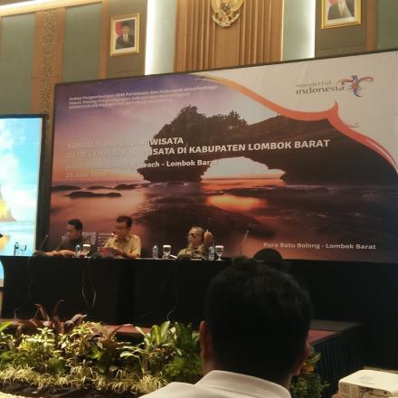 Pelatihan Sekaligus Sosialisasi Sadar Wisata di Destinasi Pariwisata di Kabupaten Lombok Barat