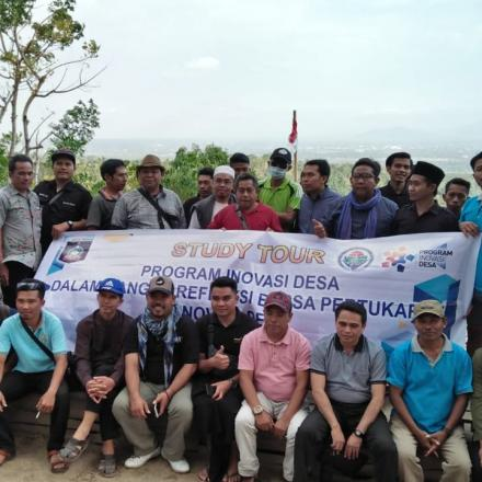 Study Tour TPID Kecamatan Peringgarata ke Desa Gelangsar