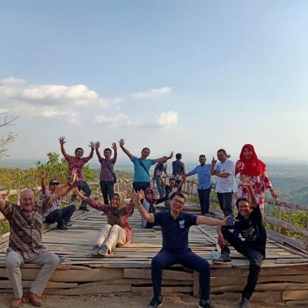 Kunjungan Tim World Bank, Bapenas dan Kemendes di Wisata Bukit Bintang Tiga Rasa